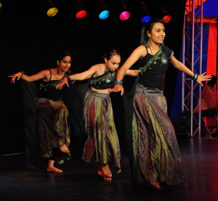 Bollywood, Kathak, Dance, Bhangra, Apsara Arts, Croydon, Sutton, Indian,